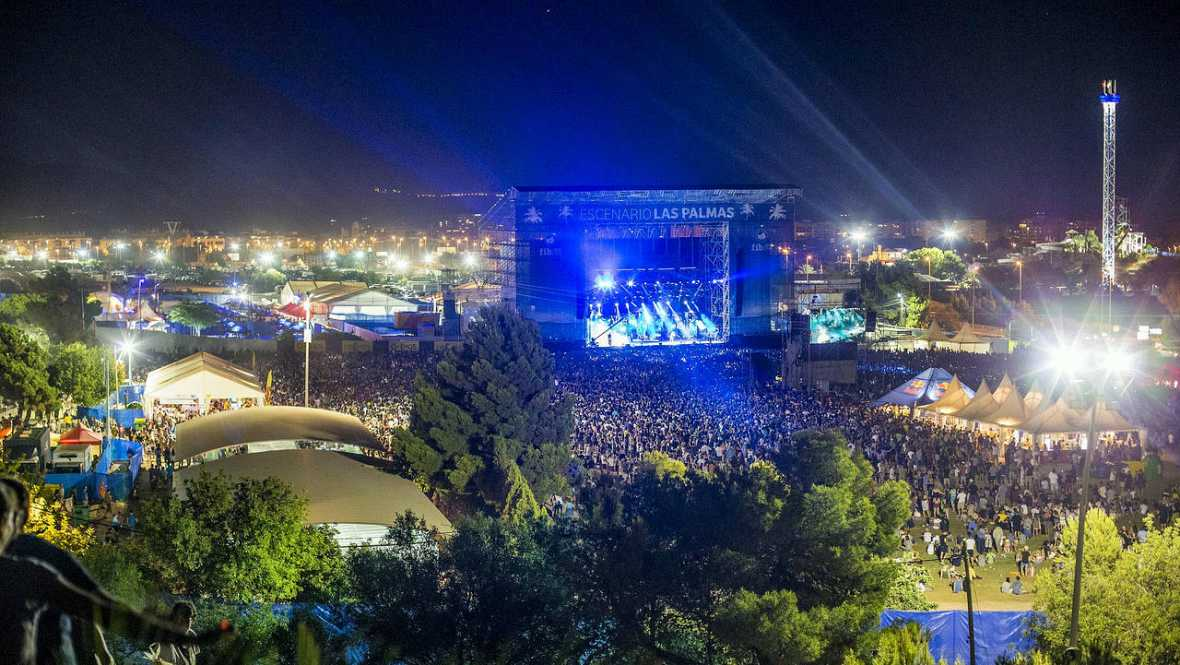 5 chapuzones entre conciertos: de Red Hot Chili Peppers a The Wailers, en los festivales de verano en Benicàssim